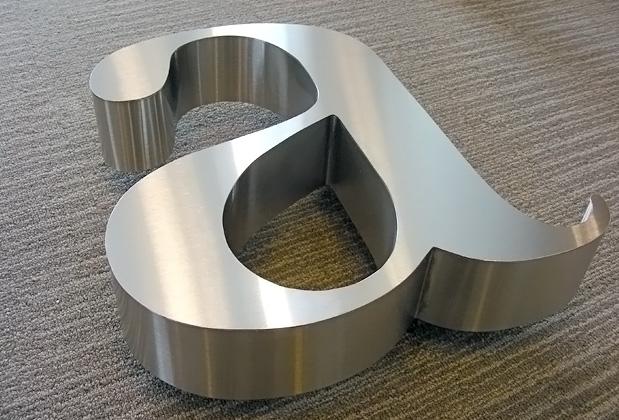 letras 3d de acero inoxidable