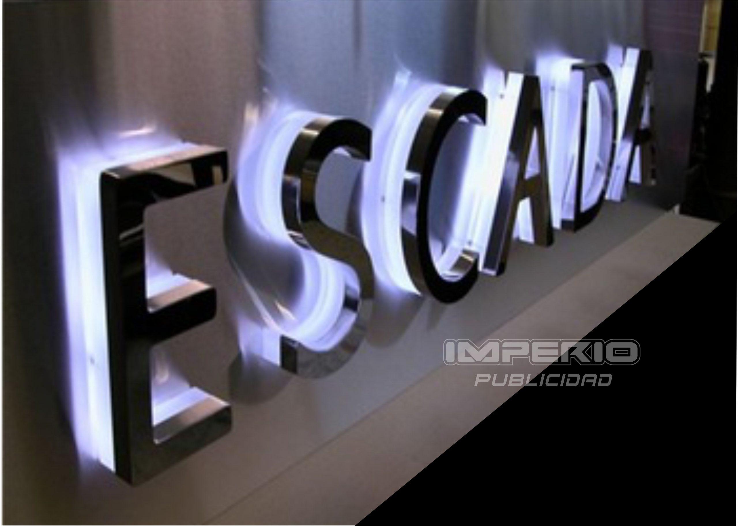 letras 3d de acero inoxidable iluminadas