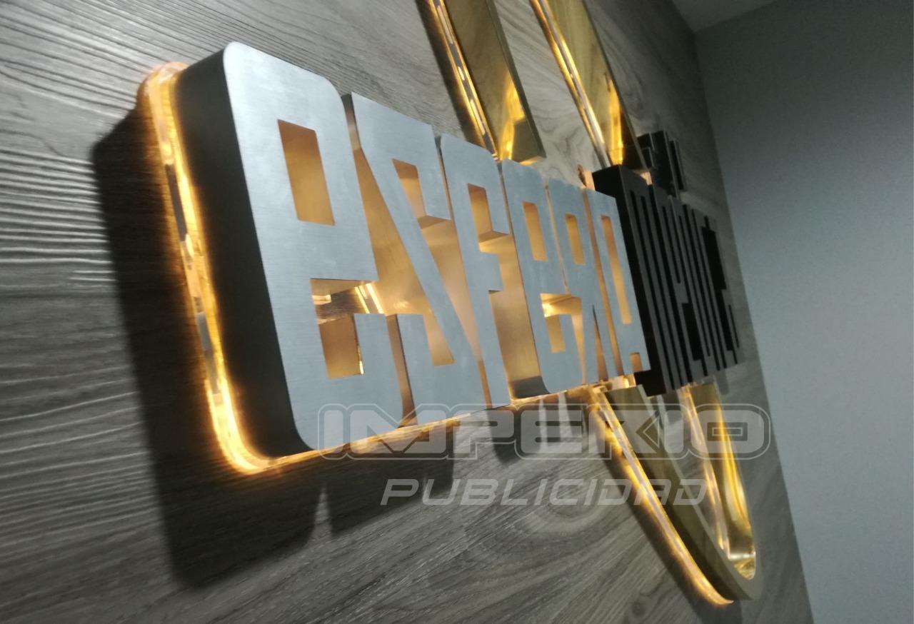 letras 3d de aluminio y acrílico con iluminación de led