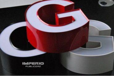 letras 3d de aluminio y acrílico con iluminación