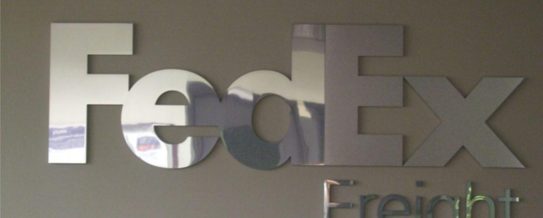logotipos 3d de acero inoxidable
